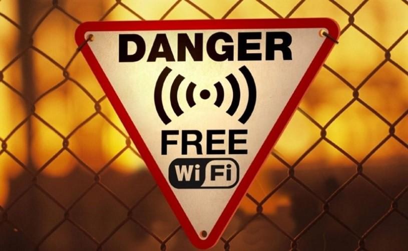 حملات سایبری تلفن های هوشمند چه نوع حملاتی هستند؟ چگونه انجام میشوند؟
